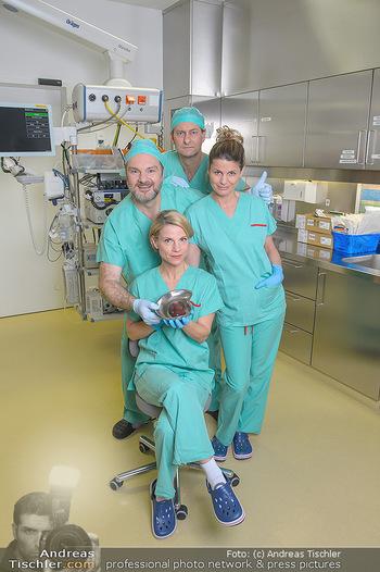 Fotoshooting zu ´Die Niere´ - Krankenhaus - Mo 18.02.2019 - Kristina SPRENGER, Doris HINDINGER, Alexander JAGSCH, Martin LEU7