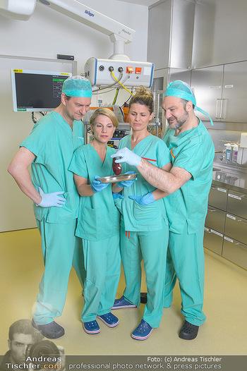 Fotoshooting zu ´Die Niere´ - Krankenhaus - Mo 18.02.2019 - Kristina SPRENGER, Doris HINDINGER, Alexander JAGSCH, Martin LEU11