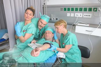Fotoshooting zu ´Die Niere´ - Krankenhaus - Mo 18.02.2019 - Kristina SPRENGER, Doris HINDINGER, Alexander JAGSCH, Martin LEU42