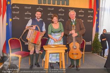 Falstaff Guide Präsentation - Rathaus Wien - Mo 25.02.2019 - Familie Magdalena, Balthasar und Johannes HAUSER musizieren101