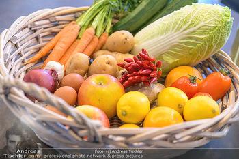 Fotoshooting Silvia Schneider - Div. Locations Österreich - Mo 25.02.2019 - Obst, Gemüse, Zutaten für gesundes Essen, Zitronen, Karotten, 24