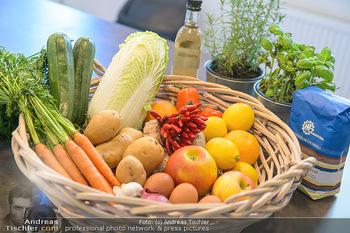 Fotoshooting Silvia Schneider - Div. Locations Österreich - Mo 25.02.2019 - Obst, Gemüse, Zutaten für gesundes Essen, Zitronen, Karotten, 25