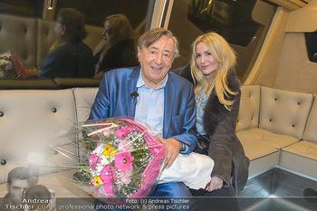Elle MacPherson Ankunft - Flughafen Wien Schwechat - Di 26.02.2019 - Richard LUGNER, Moni KULIG6
