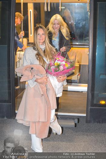 Elle MacPherson Ankunft - Flughafen Wien Schwechat - Di 26.02.2019 - Elle MACPHERSON34