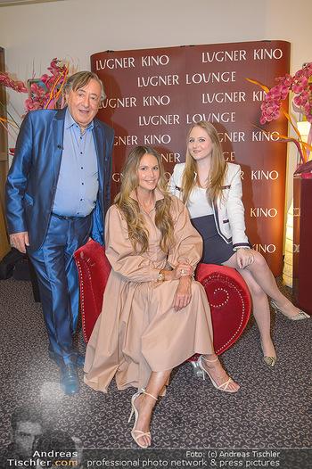 Elle MacPherson PK und Autogrammstunde - Grand Hotel und Lugner City - Mi 27.02.2019 - Elle MACPHERSON, Richard LUGNER mit Tochter Jacqueline2