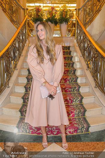 Elle MacPherson PK und Autogrammstunde - Grand Hotel und Lugner City - Mi 27.02.2019 - Elle MACPHERSON10