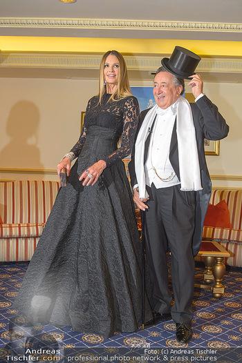 Fototermin Elle MacPherson - Grand Hotel - Do 28.02.2019 - Elle MACPHERSON, Richard LUGNER34