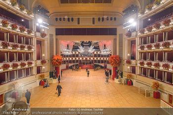 Opernball 2019 - Feststiege - Wiener Staatsoper - Do 28.02.2019 - Ballsaal leer, Übersichtsfoto, Logen, Tanzfläche21