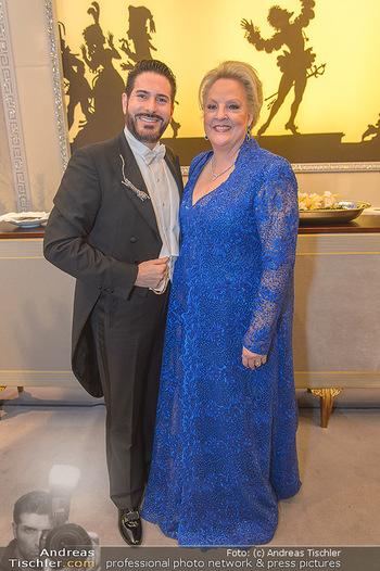 Opernball 2019 - Feststiege - Wiener Staatsoper - Do 28.02.2019 - Clemens UNTERREINER, Linda WATSON29