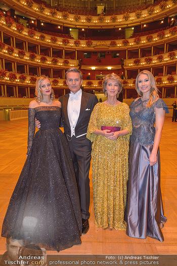 Opernball 2019 - Feststiege - Wiener Staatsoper - Do 28.02.2019 - ORF-Team Mirjam WEICHSELBRAUN, Alfons HAIDER, Barbara RETT, Nina35