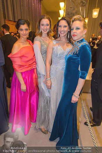 Opernball 2019 - Feststiege - Wiener Staatsoper - Do 28.02.2019 - Nina PROLL, Alexandra LIEDTKE, Maria KÖSTLINGER mit Tochter Mel56