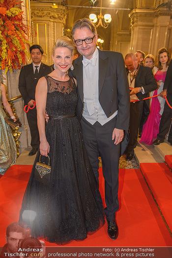 Opernball 2019 - Feststiege - Wiener Staatsoper - Do 28.02.2019 - Kristina SPRENGER, Gerald GERSTBAUER93