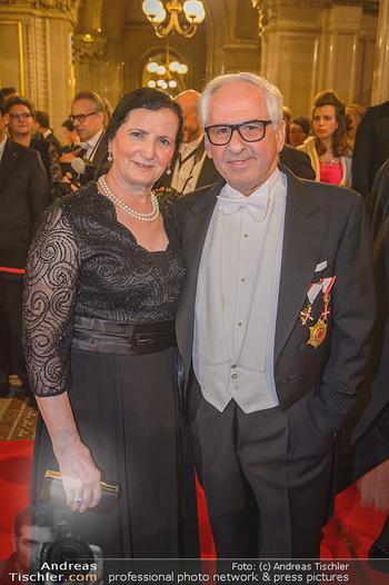 Opernball 2019 - Feststiege - Wiener Staatsoper - Do 28.02.2019 - Aki und Regaip NUREDINI129