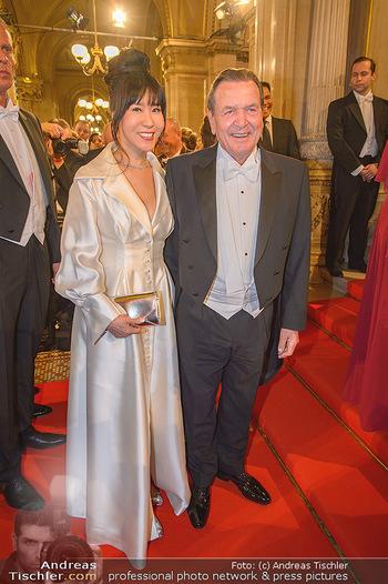 Opernball 2019 - Feststiege - Wiener Staatsoper - Do 28.02.2019 - Gerhard SCHRÖDER, Kim SO-YEON140