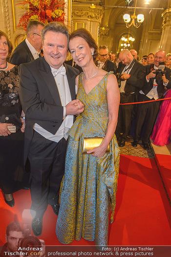 Opernball 2019 - Feststiege - Wiener Staatsoper - Do 28.02.2019 - Michael LUDWIG mit Ehefrau Irmtraud195