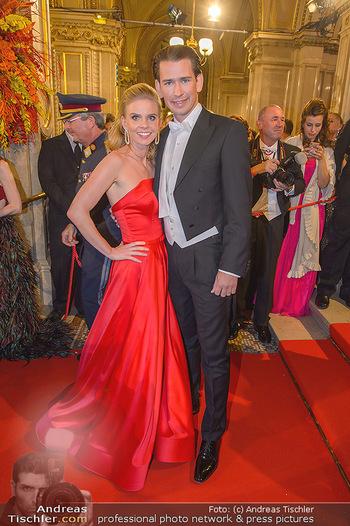 Opernball 2019 - Feststiege - Wiener Staatsoper - Do 28.02.2019 - Sebastian KURZ mit Freundin Susanne THIER196