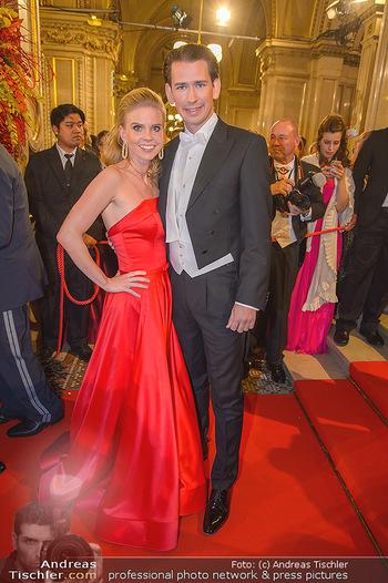 Opernball 2019 - Feststiege - Wiener Staatsoper - Do 28.02.2019 - Sebastian KURZ mit Freundin Susanne THIER197