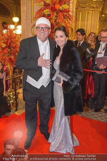 Opernball 2019 - Feststiege - Wiener Staatsoper - Do 28.02.2019 - DJ ÖTZI Gerry FRIEDLE mit Ehefrau Sonja203