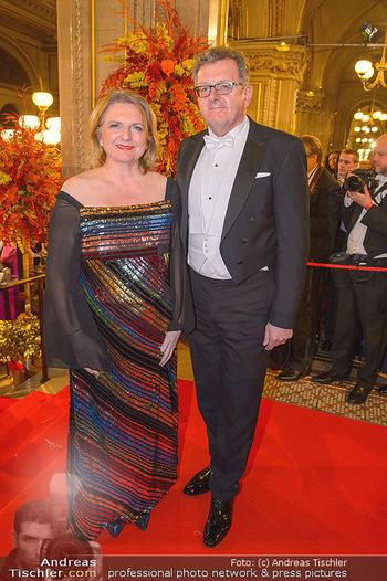 Opernball 2019 - Feststiege - Wiener Staatsoper - Do 28.02.2019 - Karin KNEISSL, Wolfgang MEILINGER213
