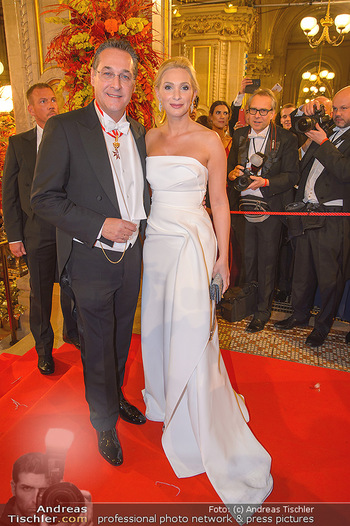 Opernball 2019 - Feststiege - Wiener Staatsoper - Do 28.02.2019 - Heinz Christian HC STRACHE mit Ehefrau Philippa215