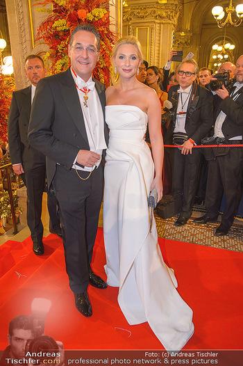 Opernball 2019 - Feststiege - Wiener Staatsoper - Do 28.02.2019 - Heinz Christian HC STRACHE mit Ehefrau Philippa216