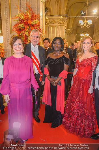 Opernball 2019 - Feststiege - Wiener Staatsoper - Do 28.02.2019 - Alexander VAN DER BELLEN, Doris SCHMIDAUER, Auma OBAMA, Maria GR221