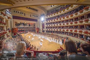 Opernball 2019 - Das Fest - Wiener Staatsoper - Do 28.02.2019 - Übersichtsfoto, Logenfoto, Blick aus Loge, Ballsaal, Eröffnung33