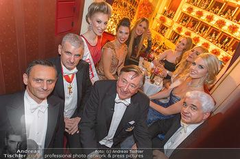 Opernball 2019 - Das Fest - Wiener Staatsoper - Do 28.02.2019 - Gruppenfoto Lugner-Loge mit Elle MACPHERSON64