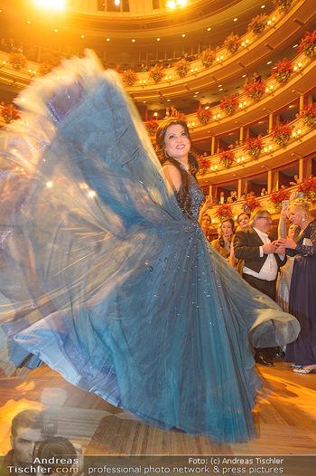 Opernball 2019 - Das Fest - Wiener Staatsoper - Do 28.02.2019 - Anna NETREBKO auf der Tanzfläche, Kleid107