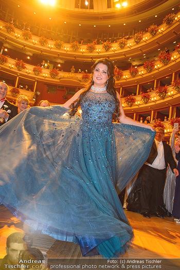 Opernball 2019 - Das Fest - Wiener Staatsoper - Do 28.02.2019 - Anna NETREBKO auf der Tanzfläche, Kleid111