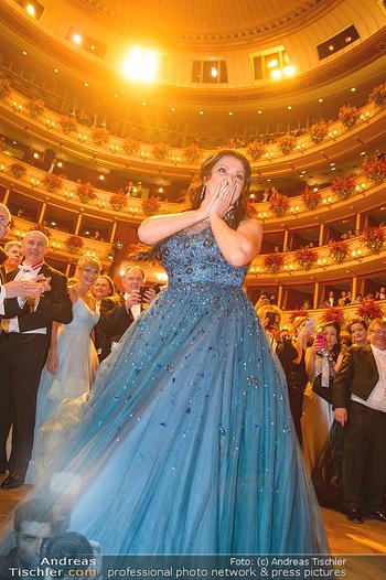 Opernball 2019 - Das Fest - Wiener Staatsoper - Do 28.02.2019 - Anna NETREBKO auf der Tanzfläche, Kleid114
