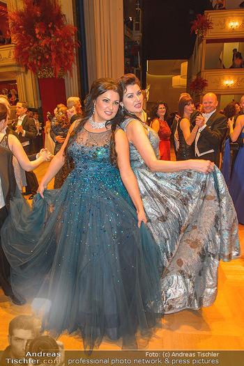 Opernball 2019 - Das Fest - Wiener Staatsoper - Do 28.02.2019 - Anna NETREBKO mit Schwester Natalia122