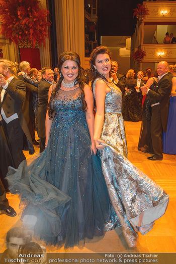 Opernball 2019 - Das Fest - Wiener Staatsoper - Do 28.02.2019 - Anna NETREBKO mit Schwester Natalia124