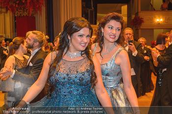 Opernball 2019 - Das Fest - Wiener Staatsoper - Do 28.02.2019 - Anna NETREBKO mit Schwester Natalia126
