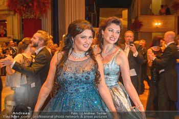 Opernball 2019 - Das Fest - Wiener Staatsoper - Do 28.02.2019 - Anna NETREBKO mit Schwester Natalia127