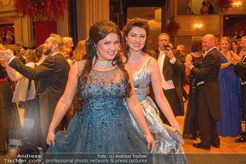 Opernball 2019 - Das Fest - Wiener Staatsoper - Do 28.02.2019 - Anna NETREBKO mit Schwester Natalia128