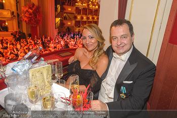 Opernball 2019 - Das Fest - Wiener Staatsoper - Do 28.02.2019 - Ivica DACIC mit Begleitung170