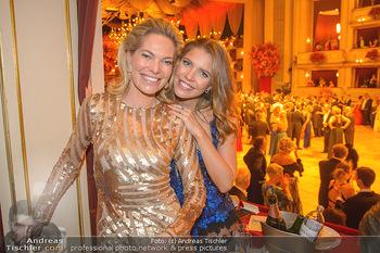 Opernball 2019 - Das Fest - Wiener Staatsoper - Do 28.02.2019 - Victoria SWARVOSKI mit Mutter Alexandra190