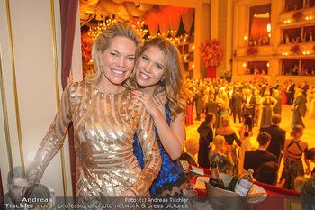 Opernball 2019 - Das Fest - Wiener Staatsoper - Do 28.02.2019 - Victoria SWARVOSKI mit Mutter Alexandra191