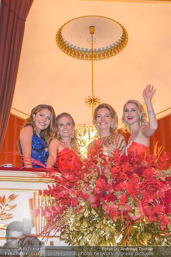 Opernball 2019 - Das Fest - Wiener Staatsoper - Do 28.02.2019 - Victoria SWAROVSKI mit Mutter Alexandra, Susanne THIER, Silvia S208