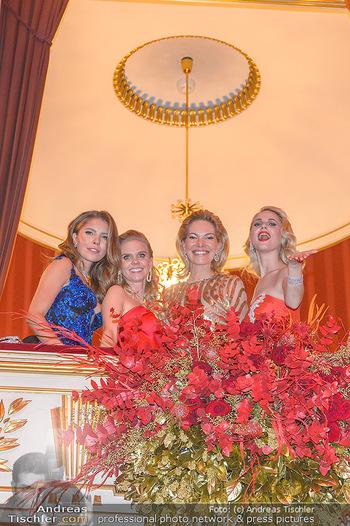 Opernball 2019 - Das Fest - Wiener Staatsoper - Do 28.02.2019 - Victoria SWAROVSKI mit Mutter Alexandra, Susanne THIER, Silvia S209