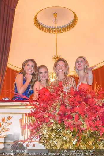 Opernball 2019 - Das Fest - Wiener Staatsoper - Do 28.02.2019 - Victoria SWAROVSKI mit Mutter Alexandra, Susanne THIER, Silvia S211