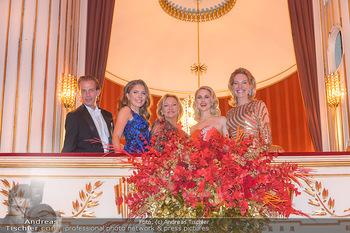 Opernball 2019 - Das Fest - Wiener Staatsoper - Do 28.02.2019 - Victoria SWAROVSKI mit Ehemann Werner MÜRZ, Ingrid FLICK, Silvi213