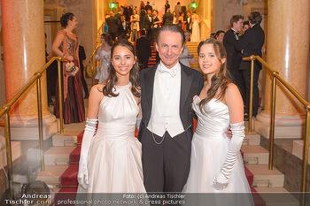 Elmayer Kränzchen - Hofburg Wien - Di 05.03.2019 - Christian RAINER mit Töchtern Noomi und Lola1