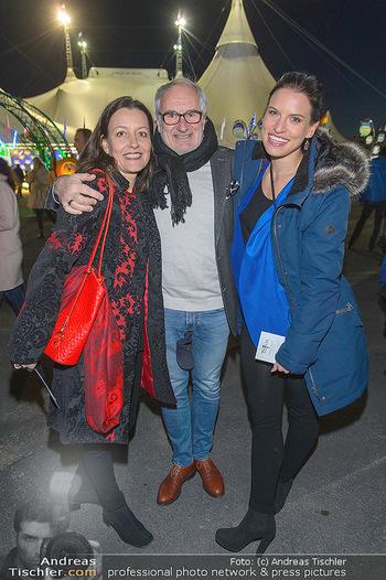 Cirque du Soleil - Zirkuszelt Neu Marx, Wien - Di 12.03.2019 - Michael SCHOTTENBERG mit Freundin Claire und Tanzpartnerin Conny24