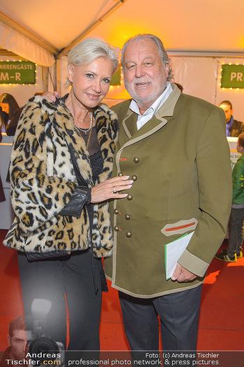 Cirque du Soleil - Zirkuszelt Neu Marx, Wien - Di 12.03.2019 - Hannes KARTNIG mit Ehefrau Claudia29