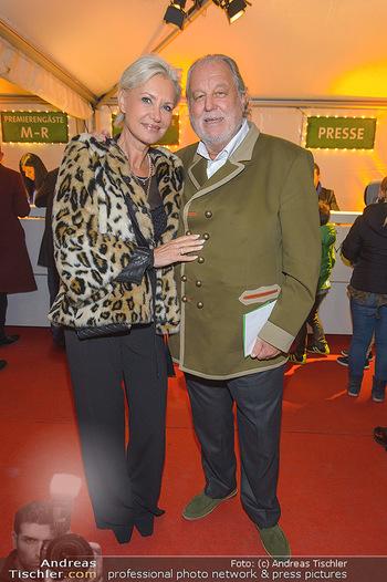 Cirque du Soleil - Zirkuszelt Neu Marx, Wien - Di 12.03.2019 - Hannes KARTNIG mit Ehefrau Claudia30