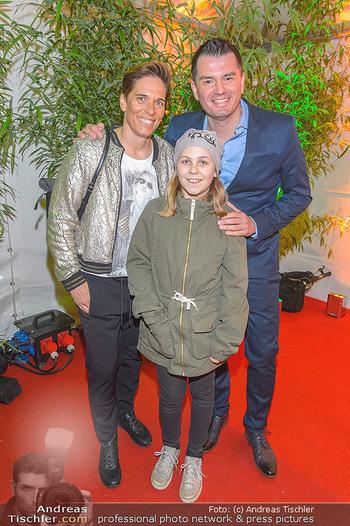 Cirque du Soleil - Zirkuszelt Neu Marx, Wien - Di 12.03.2019 - Michaela DORFMEISTER mit Tochter Lea und Freund Thomas LERCH41