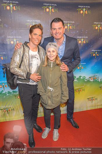 Cirque du Soleil - Zirkuszelt Neu Marx, Wien - Di 12.03.2019 - Michaela DORFMEISTER mit Tochter Lea und Freund Thomas LERCH43
