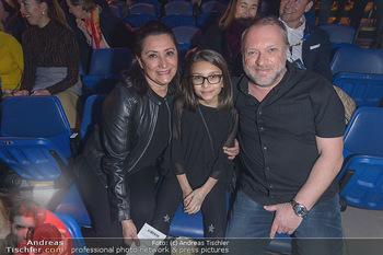 Cirque du Soleil - Zirkuszelt Neu Marx, Wien - Di 12.03.2019 - Reinhard NOWAK mit Ehefrau Arzu, Kind Mina82